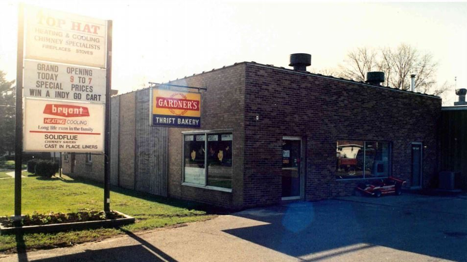 Although Top Hat was established in 1981, there was not a physical building until 1987. This photo displays the Grand Opening of Top Hat's showroom, previously attached to a bakery and utilizing only part of the building, we now own the entire building and have increased the amount of units on display!